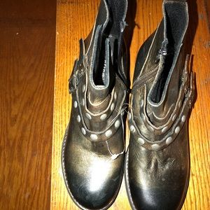 Woman's Eric Michael Ankle Boots. Size 6.5